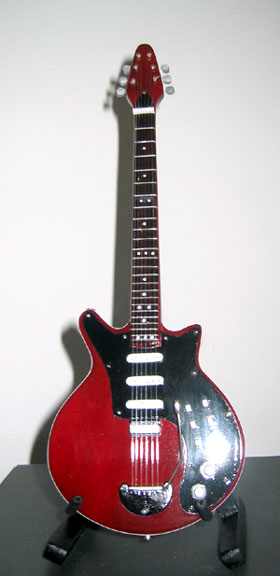 "Guitare Miniature Brian May ""Red Special"""