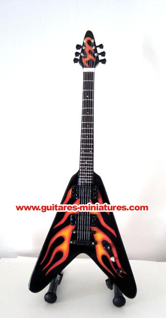 Guitare Miniature James Hetfield Flying V Red Hot Rod Flames