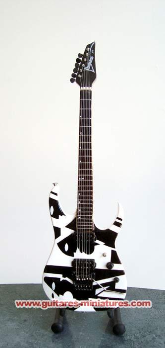 "Guitare Miniature John Petrucci Black & White ""Cubist"" Picasso"