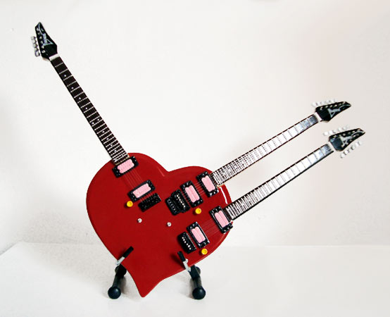 Guitare Miniature Steve Vai Triple Neck Heart