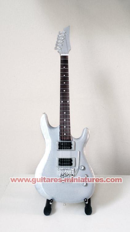 Guitare Miniature Joe Satriani Chrome Signature