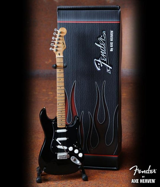 Guitare Miniature - Fender Stratocaster Black Finish & Black Pick Guard Officially Licensed